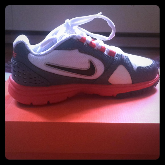 info for 72ee2 b2761 Nike Kids Endurance Trainer Size 13.5c